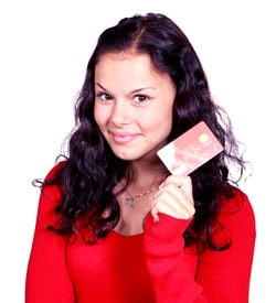 kobieta z kartą kredytową