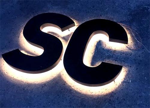 Podświetlone litery SC