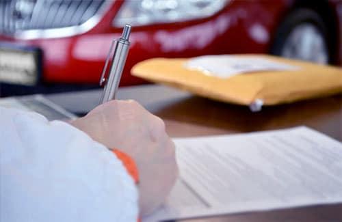 podpisywanie umowy na wynajem auta